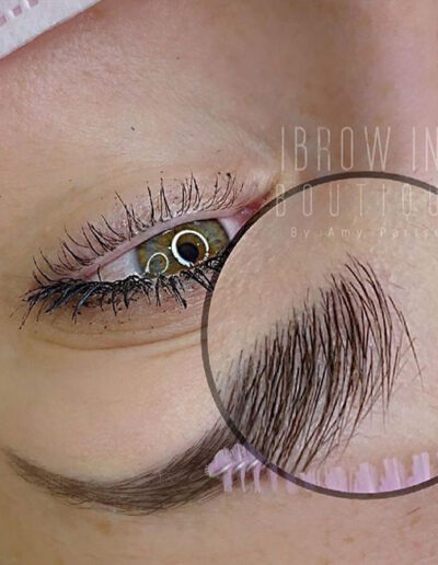 Microblading perfect brow strokes zoomed in