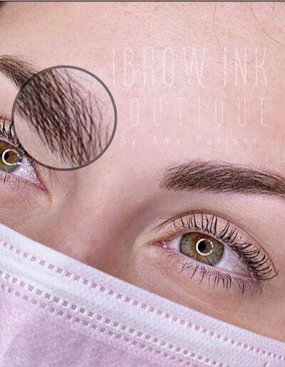Microblading perfect brows